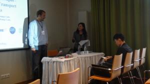 พี่จตุพร นักวิจัย NECTEC ที่ไปร่วมประชุมด้วย รอการนำเสนอ